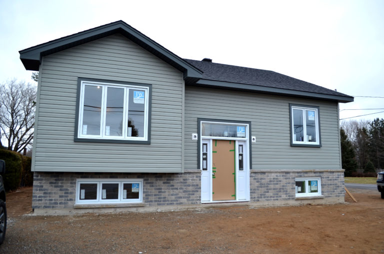 Image of 586 Boundary Rd.